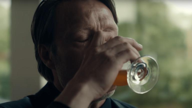 'Otra ronda': un ensayo optimista del alcohol