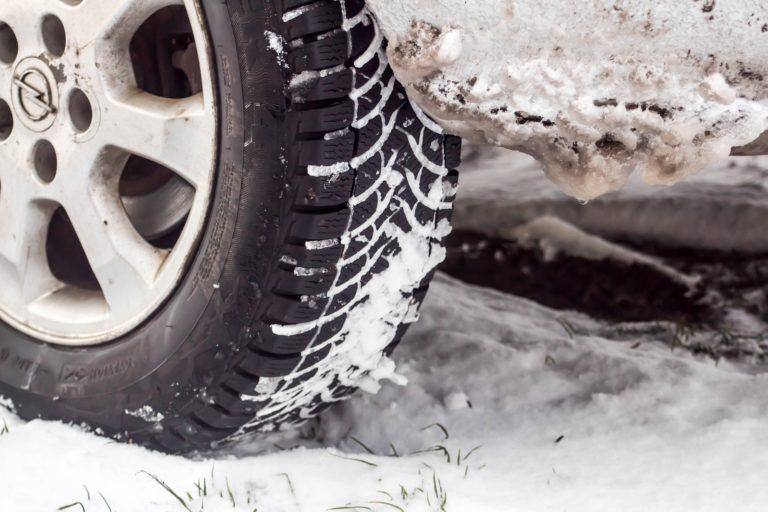 Cómo prepararse para la nieve en carretera